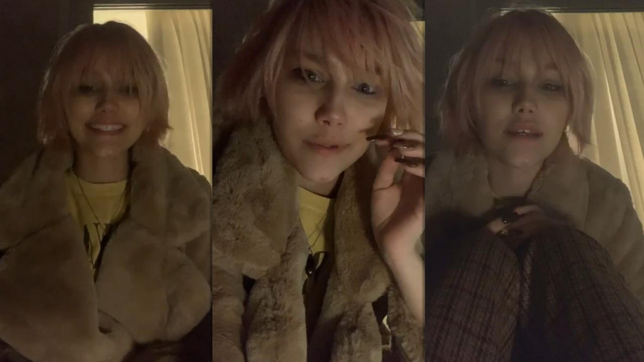 Grace VanderWaal's Instagram Live Stream from November 23th 2020.